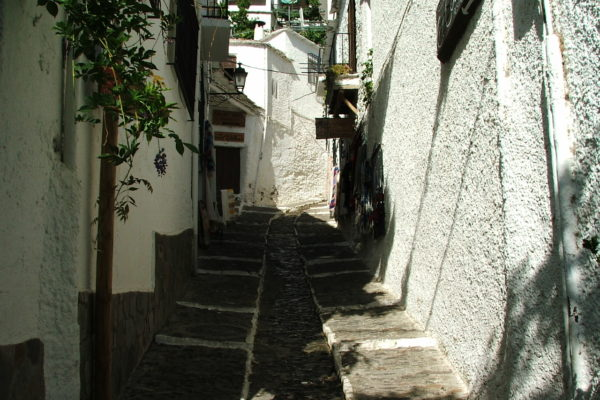 Calle típica de Pampaneira